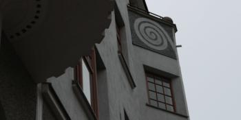 Seinä- ja kattokoristeiden saneeraus